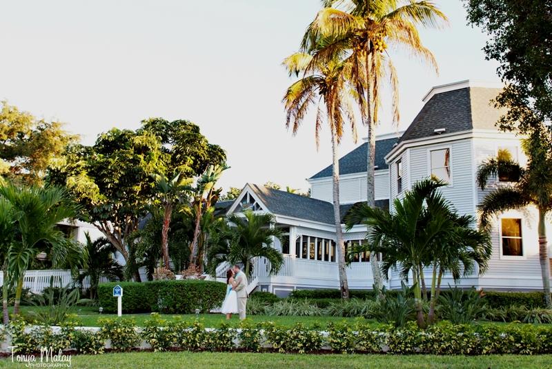 intimate sanibel island wedding