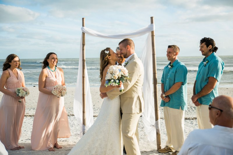Simple & Elegant Sanibel Island Wedding - Casa Ybel Resort { Jessica + Jeff }